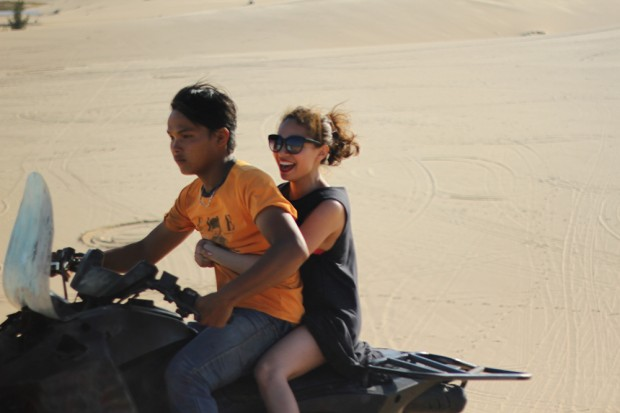 mui-ne-sand-dunes-11
